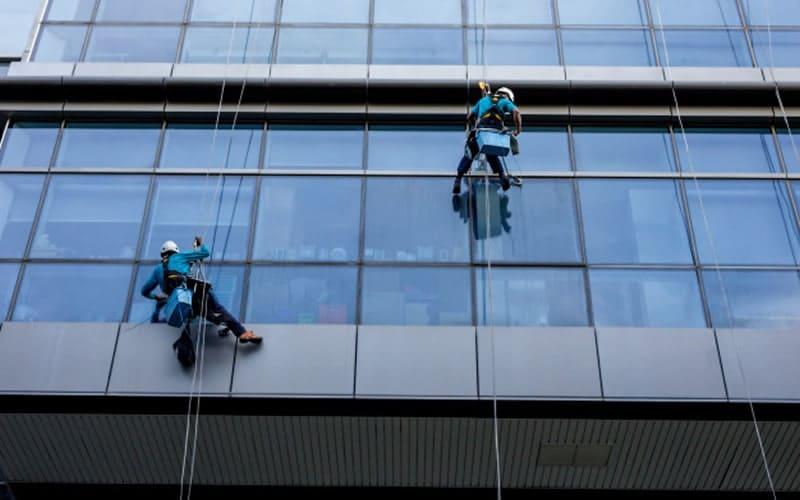 Contrato de limpeza de fachada